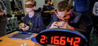 Zawody w układaniu Kostki Rubika na Konferencji REHA FOR THE BLIND IN POLAND, źródło: Fundacja Szansa dla Niewidomych
