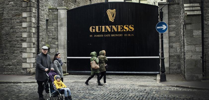 firma twoja z Dublina prymitywne randki