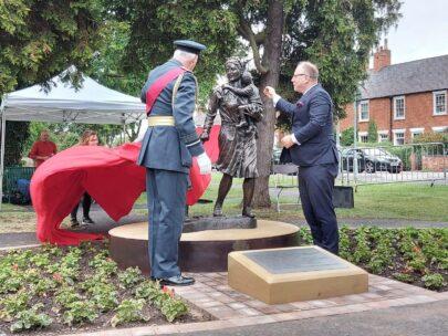 Ambasador Arkady Rzegocki odsłanie pomnik Ireny Sendler